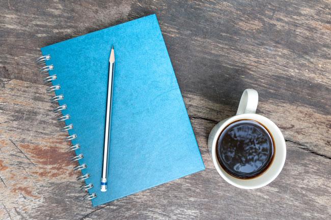 仕事運アップには青の文房具が効果あり! 出世に一役買う開運アイテムベスト3