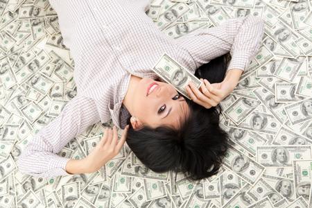 金持ちになれる5つの人相! 宝くじが当たりやすい人は……