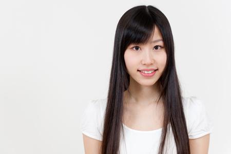 【NG風水】髪が真っ黒ストレートの人は、面倒な恋にはまってしまいがち!