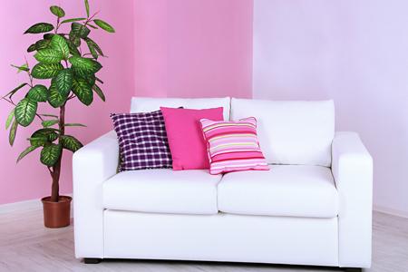 【新生活・風水カラーコーディネート】恋人との仲を深めるにはベッドまわりをピンクで統一!