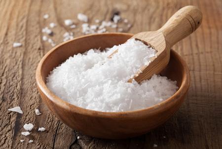 【らくらく風水】ついてない人は「塩」を持ち歩くと運気アップ&幸せが訪れる!