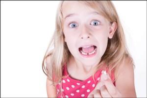 【夢占い】歯が欠ける夢は、現実を受け入れたくない暗示!