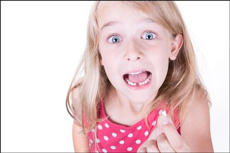 【夢占い】歯が欠ける夢は現実逃避の暗示! 歯の夢があらわす心の不安