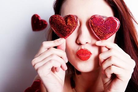 【名前占い】1文字目でわかる恋愛傾向 「あ」で始まる人は恋に燃えるタイプ!