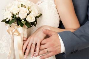 指輪をはめる指の意味を知れば願いがかなう!?