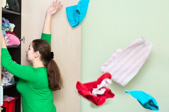 【断捨離風水】運気ダウンは「服」に原因アリ! 2年以上前の衣類はすぐに処分!!