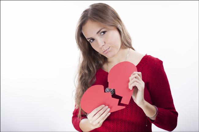 非モテ体質は手のひらにあらわれる!? 「恋愛運の悪い手相」とその対処法
