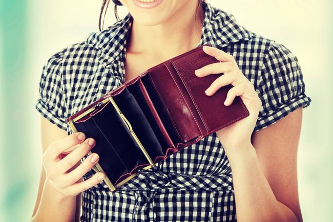 【断捨離風水】古い財布はお金が逃げていく! 2~3年をめどに買い替えを