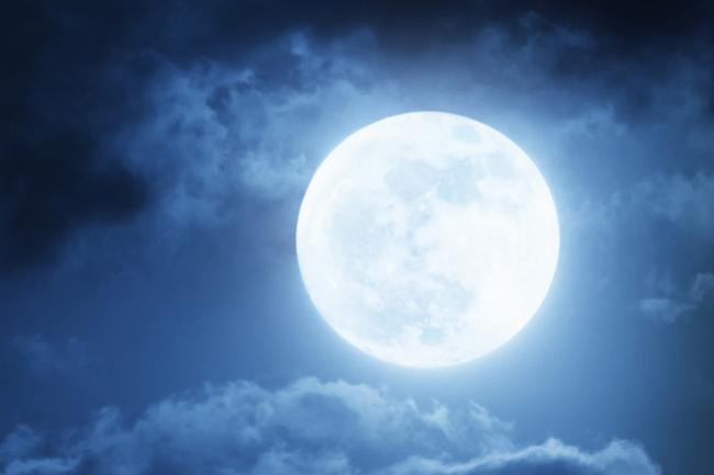 8月11日はスーパームーン! 今年一番大きな満月が見られる日