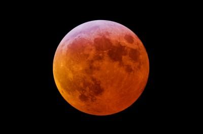 10/8は牡羊座「月食満月」は前向きな自分を手に入れよう