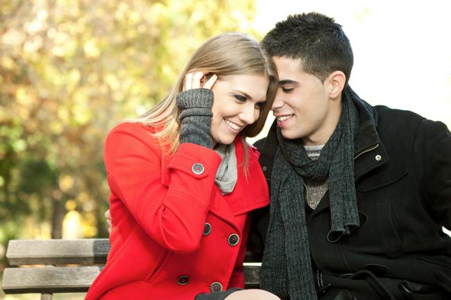 好きな相手を落とす得意なテクニックと、恋の脈ありサインがわかる【心理テスト】