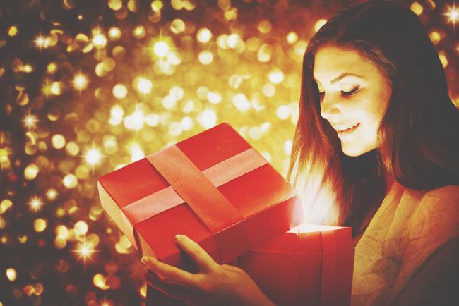 【心理テスト】欲しいクリスマスプレゼントでわかる、あなたの恋の妄想癖