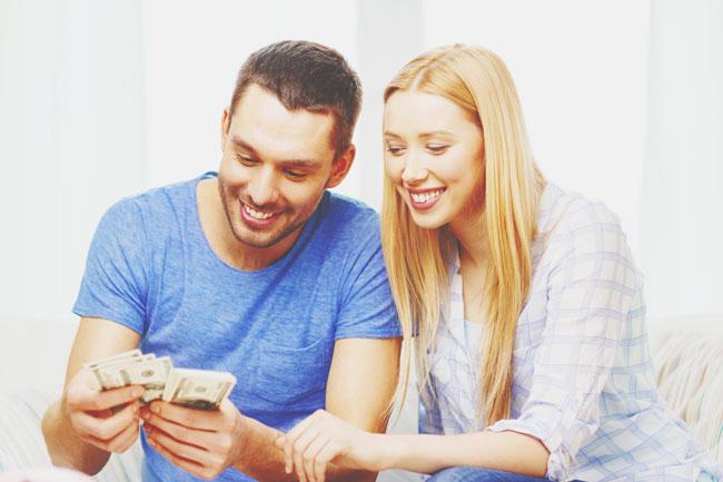 男にどれだけ貢いでしまうかがわかる【心理テスト】10~1,000万円、あなたはどのレベル?