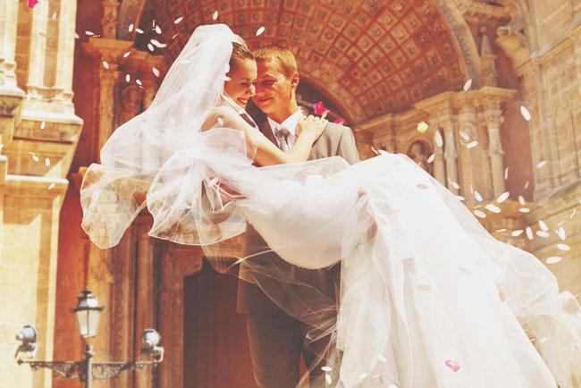 【12星座カップル事典】射手座×天秤座は、結婚してもアツアツな恋人夫婦!