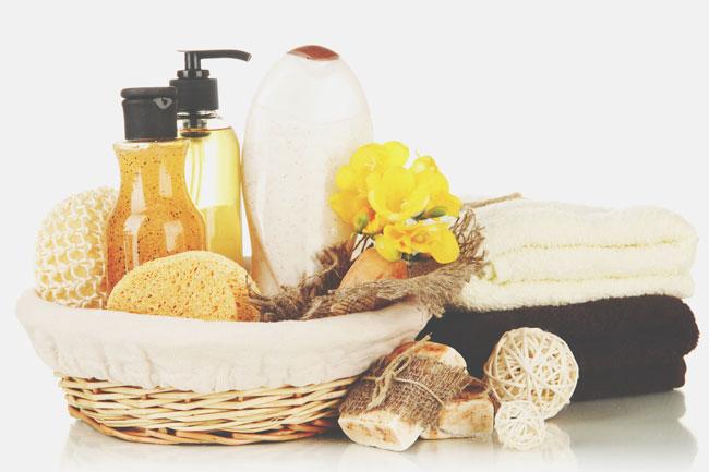 【場所×方位で開運風水】西の洗面所は黄色の生花を飾って美容&金運アップ!