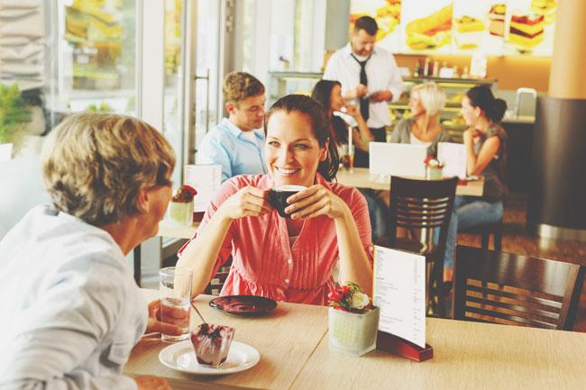 飲食店でどの席を選ぶかでわかる性格診断 奥の席に座る人は優柔不断!