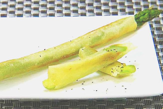 【ムーンダイエット】2/20~26の上弦の月レシピは油を使わない『グリーンアスパラ春巻き』