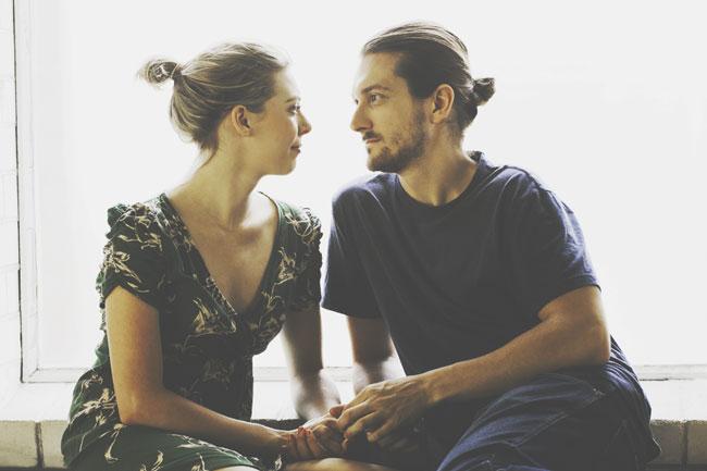 会話下手でも大丈夫! ムード作りで相手の心をつかむ恋の心理テクニック4つ