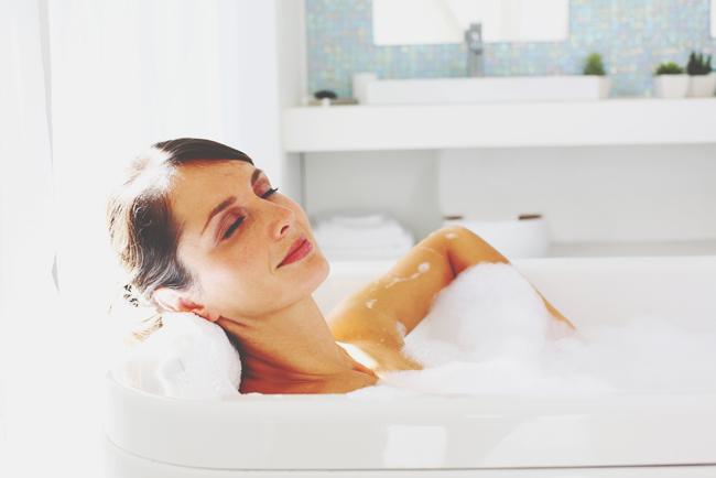 【お掃除風水】さまざまな運気に影響するバスルームは「水の流れ」を徹底チェック!