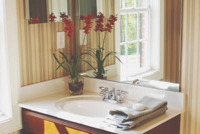 【お掃除風水】洗面所の鏡を磨いて美容運アップ!