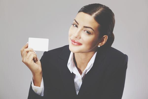 名刺でわかる仕事運 横型名刺の左肩に文字やロゴがあると営業運アップ!
