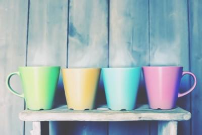 【心理テスト】4色のマグカップ、誰にどの色を渡す?