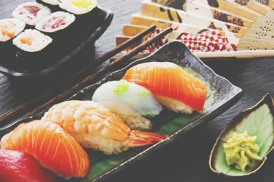 【心理テスト】最初に食べたいお寿司でわかる、あなたの理想のセックス