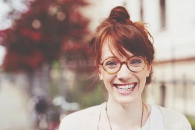 メガネの形でわかるなりたい自分像 丸メガネは変人志望、四角はしっかり者!