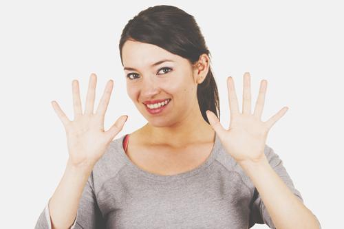 手の開き方でわかる【2016年の運勢】薬指と小指が開いている人は出会い運吉!