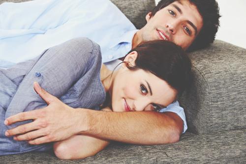 【12星座夫婦のかたち】水瓶座妻×天秤座夫は価値観ぴったり、楽しく自由な夫婦生活!