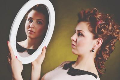 """【心理テスト】""""真実の鏡""""のイメージでわかる愛され女子になる方法"""