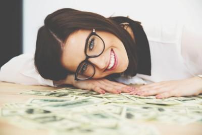【12星座の長所&短所】牡牛座は美意識が高く本物志向だが、お金に執着する傾向あり!