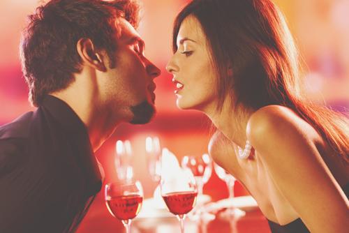 【心理テスト】怪盗が盗んだ宝物は? 答えでわかる理想の恋の記念日の過ごし方