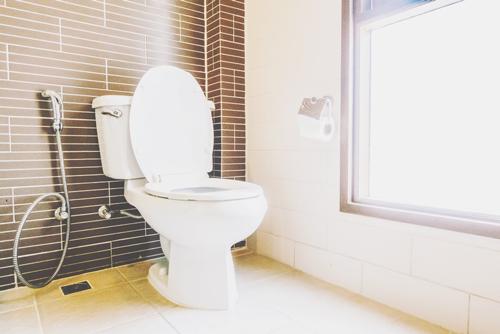 【心理テスト】トイレで目につく汚れは? 答えでわかるお金が貯まらない理由