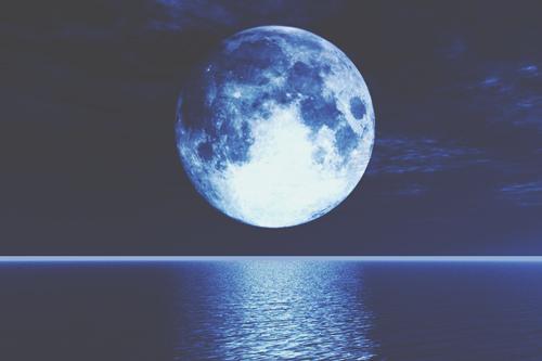11月14日は牡牛座のスーパームーン満月 お金への罪悪感を手放して、豊かさを手に入れよう!