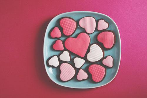【2月の開運壁紙】恋愛運アップは「チョコレート」、仕事運は「姫路城」の写真で運気アップ!
