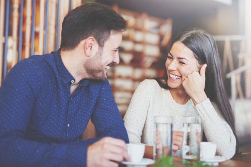 【心理テスト】路上ライブを聴く場所でわかる、好きな人に対しての接し方