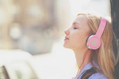 【夢占い】歌手など音楽に関する夢が暗示することとは?