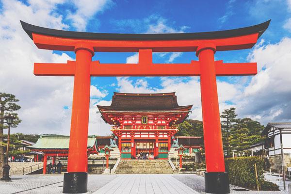 【2018年パワースポット全体運】『伏見稲荷大社』でお稲荷さんの加護を得よう!