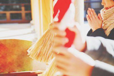 神社で「お願い」はしないほうがいい!? 正しい参拝作法を身につけよう