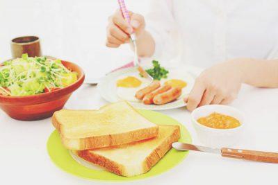 【夢占い】朝食の夢はラッキーチャンスの到来! 食事に関する夢が意味すること