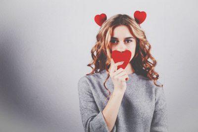 【心理テスト】恋人が住んでいる家はどれ? 答えでわかる恋の見栄っ張り度