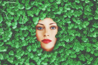 【心理テスト】幸せのクローバーの葉は何枚? 答えでわかるあなたの幸せのありか
