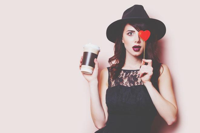 ブラックコーヒー好きはプライドが高い女性!? コーヒーの飲み方でわかる男性からの評判