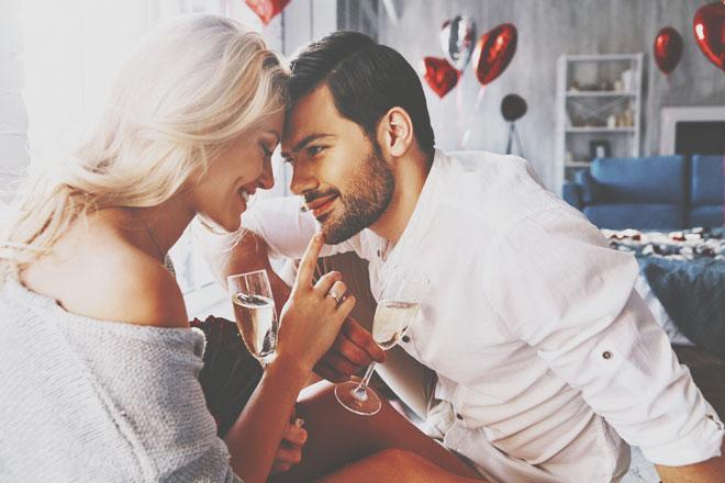 2人の誕生日で占う【2019年の恋愛相性】気になるあの人との相性は……?