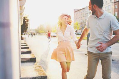 血液型【デートの誘い方】あるある B型は「明日、暇?」とノリと勢いで誘う!
