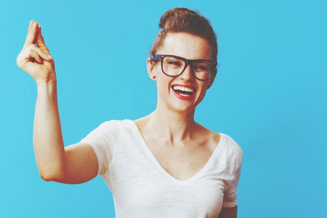普段している手の癖でわかるあなたの適職 よく指を鳴らす人はアート関係がぴったり!