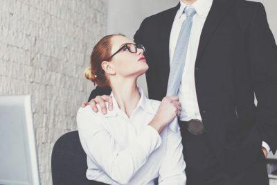 10の質問でわかる【オフィスラブ成功度】職場で見つけた恋、成就する?