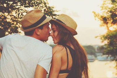 12星座【追われる恋が好き】ランキング 水瓶座は追われる=愛されることで自信を持つ!