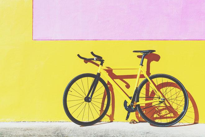 【7月の開運壁紙】恋愛運は「車輪のついた乗りもの」、金運は「王冠」の写真で運気アップ!